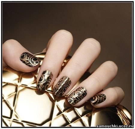Ногти в черно-золотом цвете